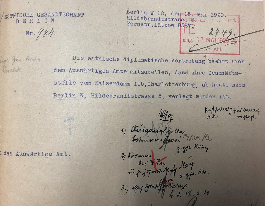 Ein Brief der estnischen Vertretung in Deutschland an das deutsche Außenministerium, in dem der Umzug in die Hildebrandstraße 5 angekündigt wird. Foto: Politisches Archiv des Auswärtigen Amts
